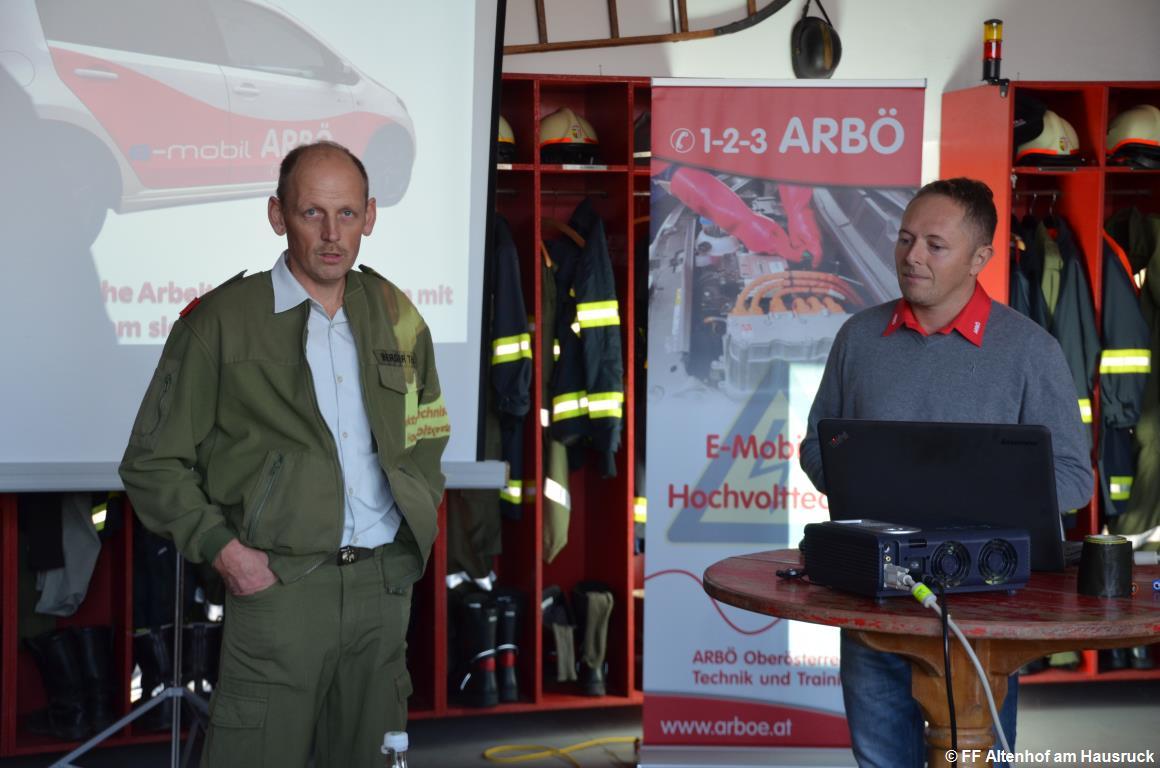 FF Altenhof 20180927165407 Schulung Elektroauto